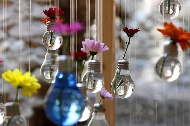 Декор из лампочки