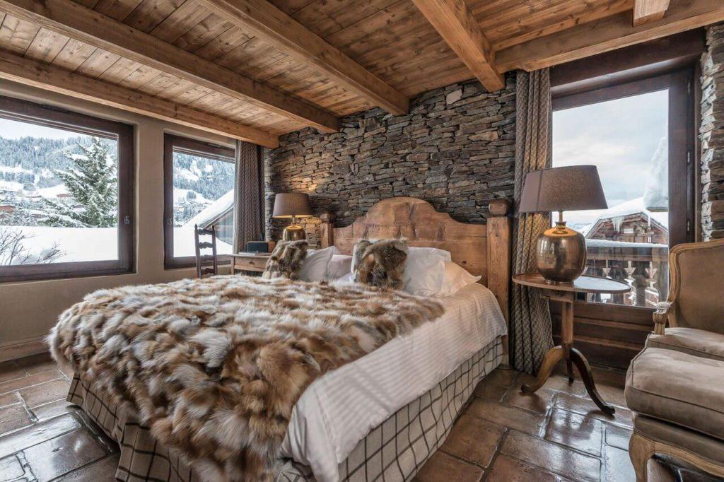 Интрьер спальни в стиле шале