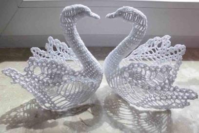 Лебеди вязаные крючком