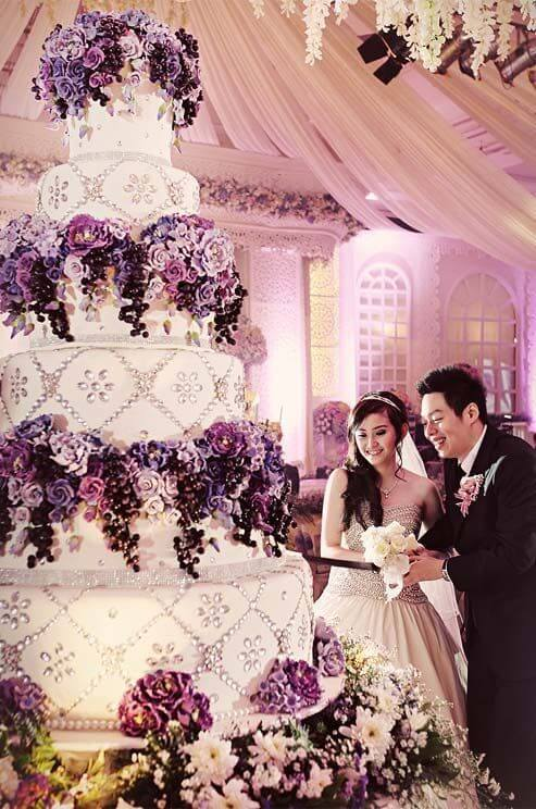 Самые красивые и дорогие свадебные торты