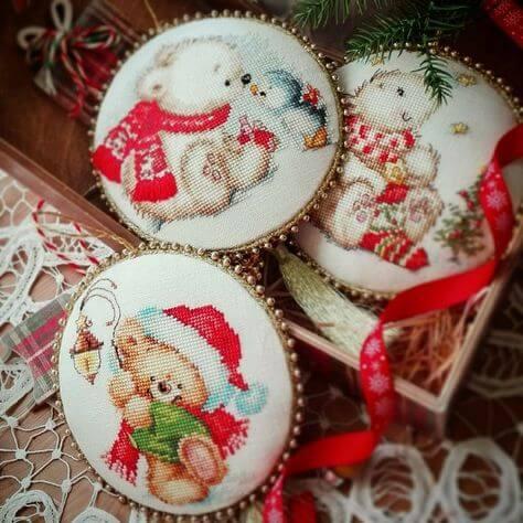 Новогодние игрушки вышитые крестиком