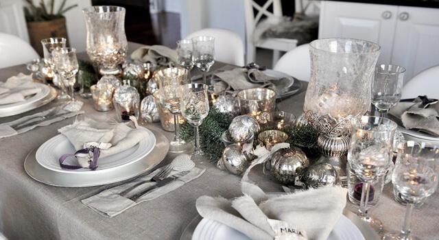 Новогодний стол - декор в серебристом цвете