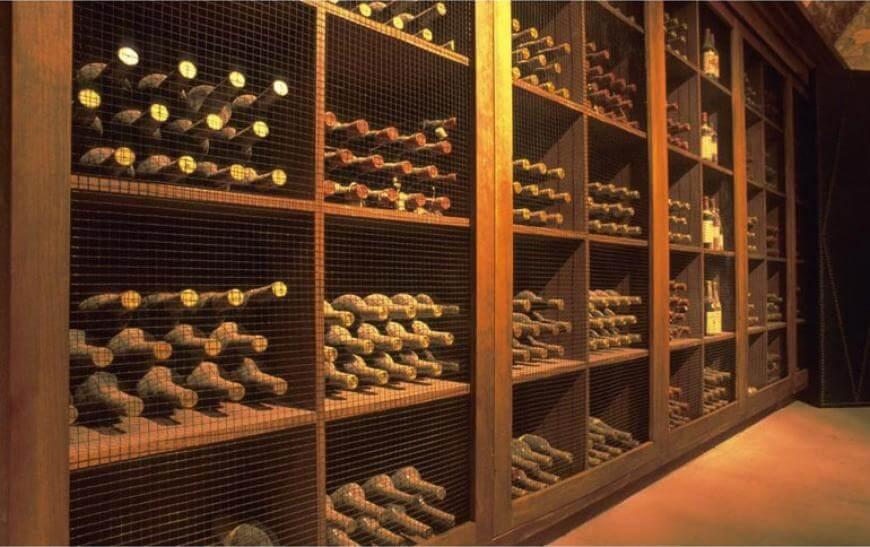 Как правильно хранить вино в бутылках
