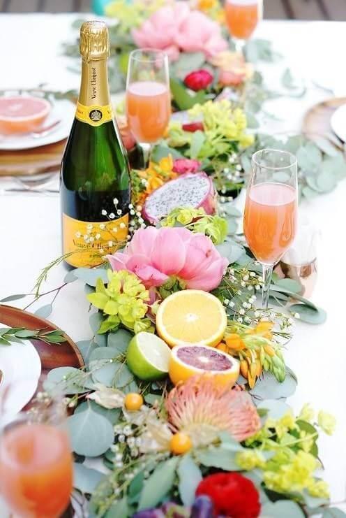 Как красиво подать овощи и фрукты на праздничный стол