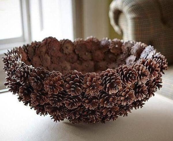 Декор из шишек