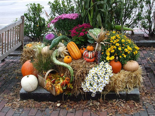 Осенний декор для сада и дома