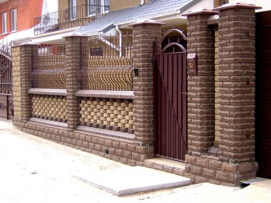 Красивые заборы для частных домов