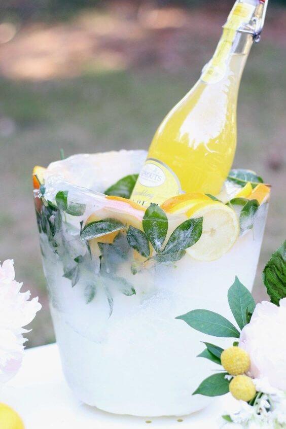 Ледяное ведерко для шампанского