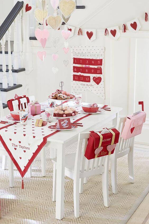 Как украсить интерьер ко Дню Святого Валентина