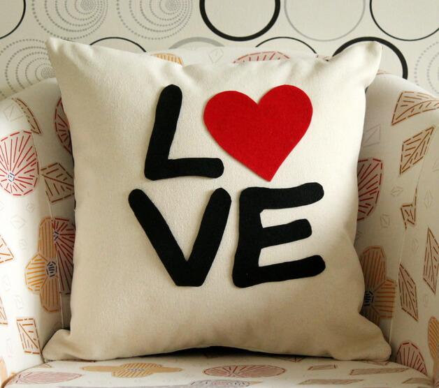 Подушка сердце на день Влюбленных