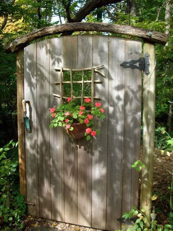 Оригинальные садовые калитки