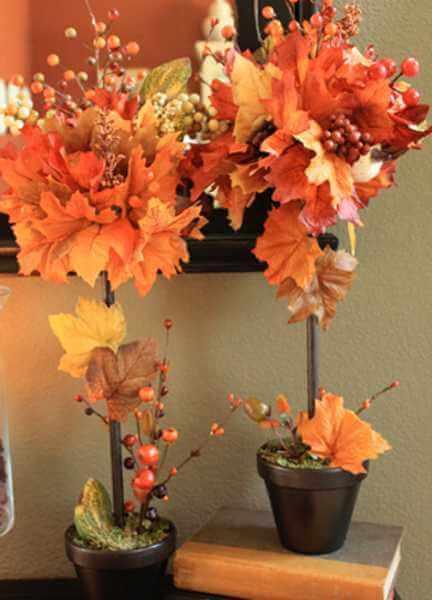 Декор из осенних листьев