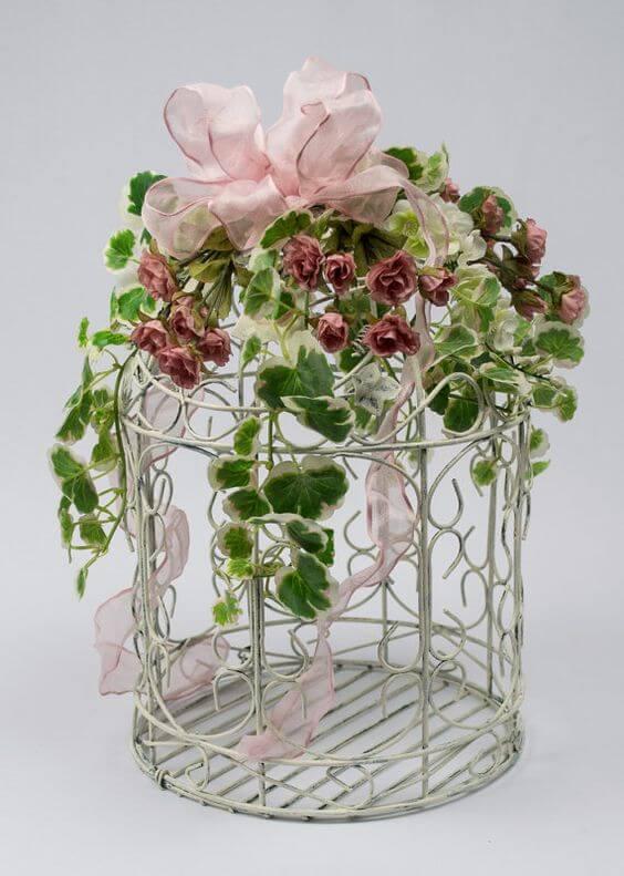Декоративная клетка для цветов